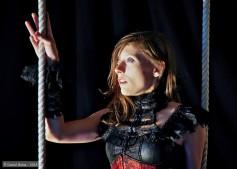miss aerien artiste cirque circassien acrobate aerienne trapeze paca provence alpes cote d'azur alpes de haute provence alsace