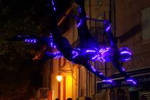 miss aerien artiste cirque circassien acrobate aerienne partenariat duo loly circus musicien paca provence alpes cote d'azur alpes de haute provence