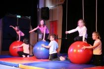 miss aerien animateur animatrice animation cirque paca provence alpes cote d'azur alpes de haute provence evenement anniversaire fete noel gala entreprise festival